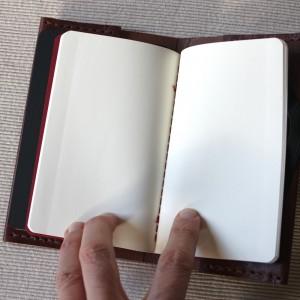 El cuaderno de hojas blancas (para los garabatos)