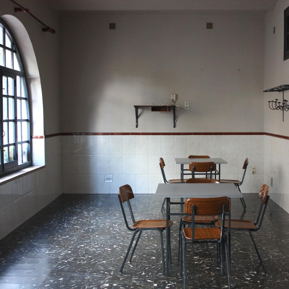 Cantina en Fontilles, donde hasta hace no mucho, los residentes jugaban al dominó.