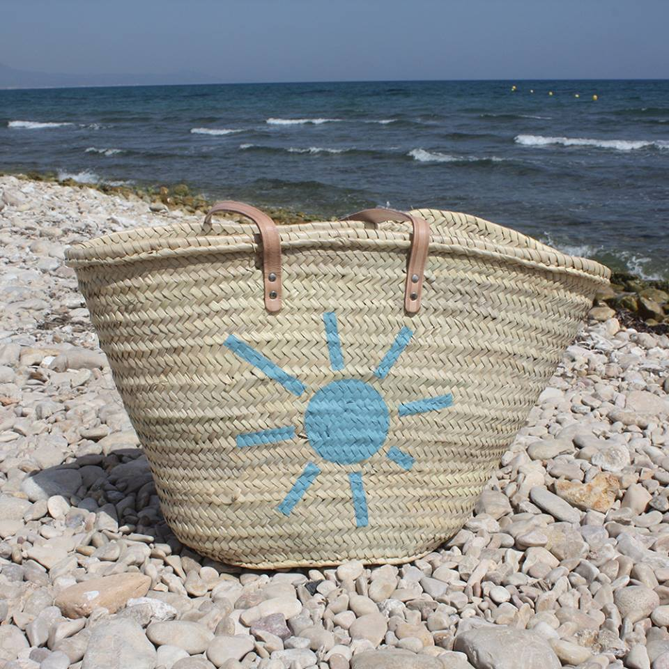 capazo de playa personalizado con sol pintado