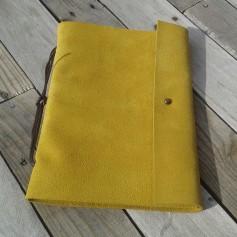 Cuaderno elemental talla L en piel amarilla