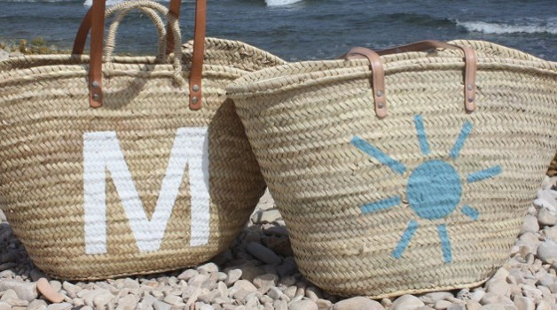Personalized natural fiber beach bags