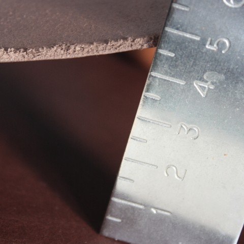 Materials: leather's thickness